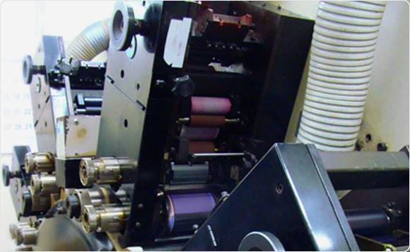 UVインクジェット印刷のしくみ